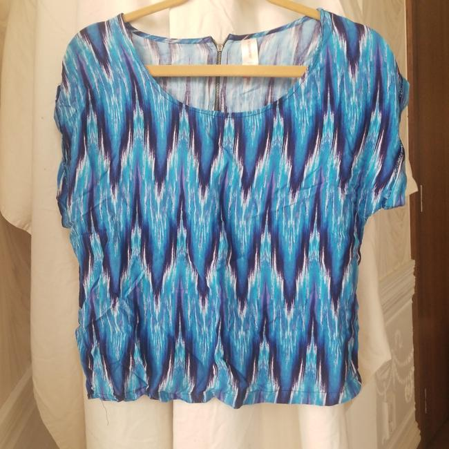 Item - Blue Exciting Tee Shirt Size 4 (S)