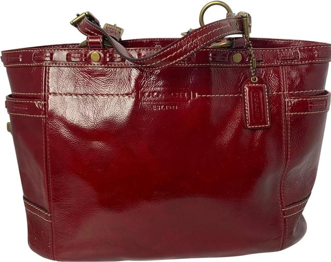 Item - Bag Soho 11500 Gallery Laced Turnlock Shopper Red Patent Leather Tote