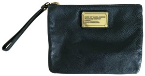 Marc by Marc Jacobs Leather Clutch Zipper Gold Wristlet in Black