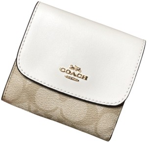 Coach F87589 Small Wallet in Signature Chalk