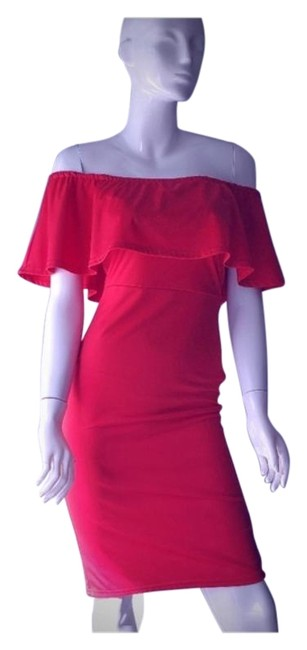 Mid-length Night Out Dress Size 4 (S) Mid-length Night Out Dress Size 4 (S) Image 1