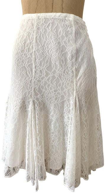 Item - Ivory Pre-owned Lined Lace Skirt Size 8 (M, 29, 30)