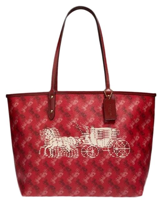 Item - City Reversible F82135 with Horse and Carriage Print Im/Bright Red/Cherry Multi Leather Tote