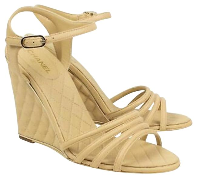 Item - Beige Quilted Sandals Wedges Size EU 37 (Approx. US 7) Regular (M, B)