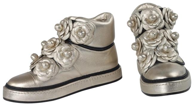 Item - Gold Metallic Leather Camellia Flowers Pearl High Top Sneakers Size US 4.5 Regular (M, B)