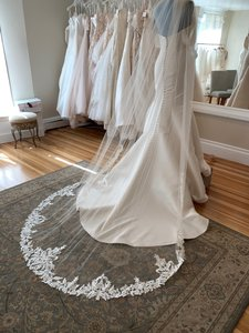 Giselle Bridals Champagne and Ivory Long Sp382 Bridal Veil