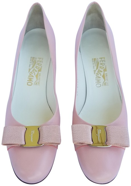 Item - Pink Vera Bow Kitten Heel Pumps Size US 8.5 Narrow (Aa, N)
