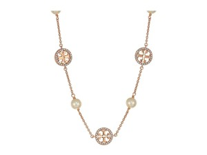 Tory Burch Tory Burch CRYSTAL PEARL LOGO NECKLACE SILVER