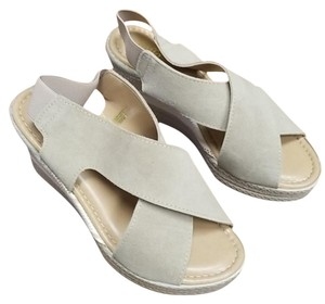 Bella Vita Gray Sandals