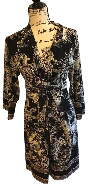 Item - Black and White Faux Wrap Print Mid-length Night Out Dress Size 6 (S)