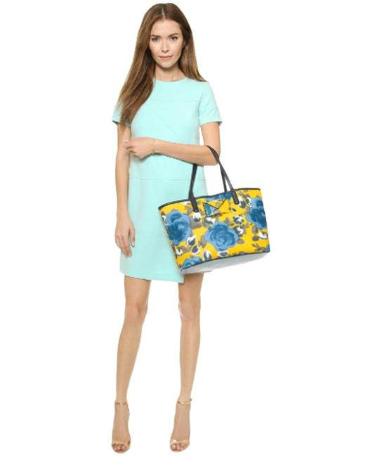 Item - Metropolitote Jerrie Yellow Jacket Coated Canvas Tote