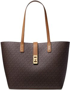 Michael Kors Karson Large Carryall 191262956782 Pvc Tote in Brown