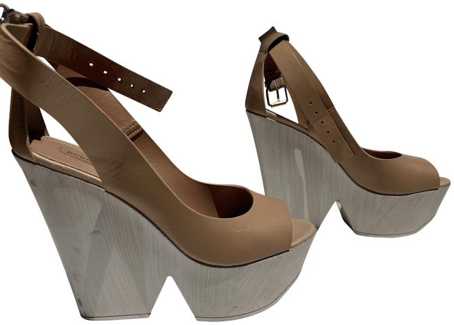 Item - Nude/ Sand Wood Wedges Size US 10 Regular (M, B)