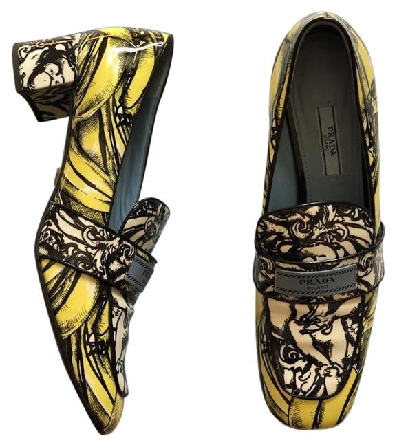 Item - Yellow/Black/White Banana Printed Loafers Pumps Size EU 38.5 (Approx. US 8.5) Narrow (Aa, N)