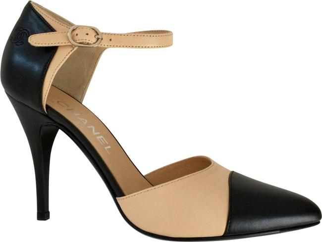 Item - Unworn New Fall Iconic Black and Beige Classic Classic Two-tone Maryjane Pumps Size EU 37 (Approx. US 7) Wide (C, D)