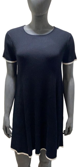Item - Black with Cream Trim Sweater Knit Mid-length Short Casual Dress Size 10 (M)