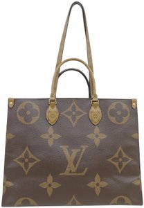 Louis Vuitton Lv Onthego Monogram Canvas Giant Tote in Brown and Tan