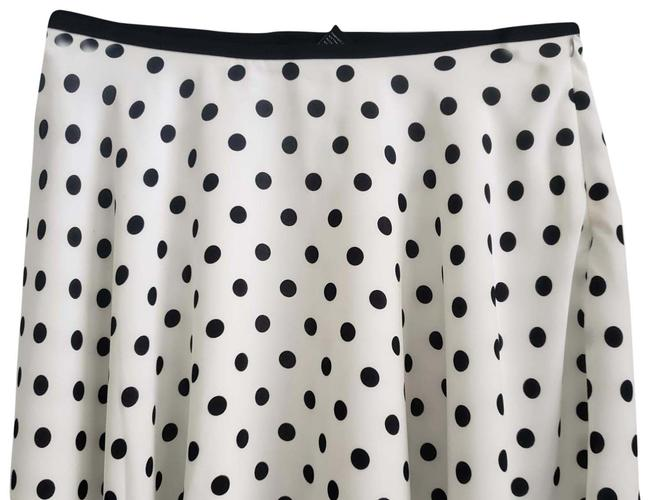 Item - Wht with Blk Polkadots And Skater Skirt Size 8 (M, 29, 30)