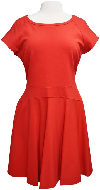 Item - Red Short Casual Dress Size 14 (L)