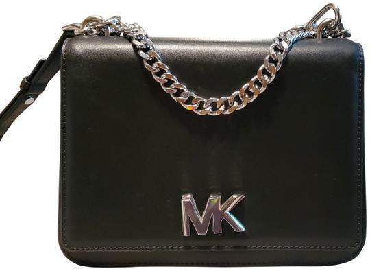 Preload https://img-static.tradesy.com/item/27299588/michael-kors-mott-black-with-silver-hardware-leather-cross-body-bag-0-1-540-540.jpg