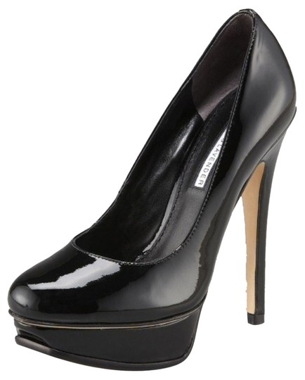Vera Wang Lavender Label Black Pumps