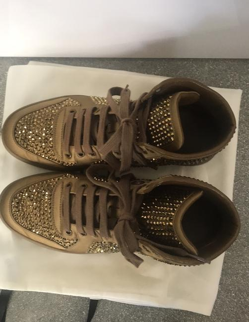 Gucci Gold Sneakers Size EU 38 (Approx. US 8) Regular (M, B) Gucci Gold Sneakers Size EU 38 (Approx. US 8) Regular (M, B) Image 7