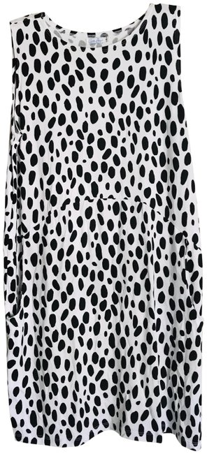 Item - Black/White Black/White Dotted Tank In Short Casual Dress Size 6 (S)