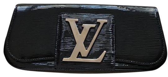 Preload https://img-static.tradesy.com/item/27303231/louis-vuitton-black-patent-leather-clutch-0-1-540-540.jpg