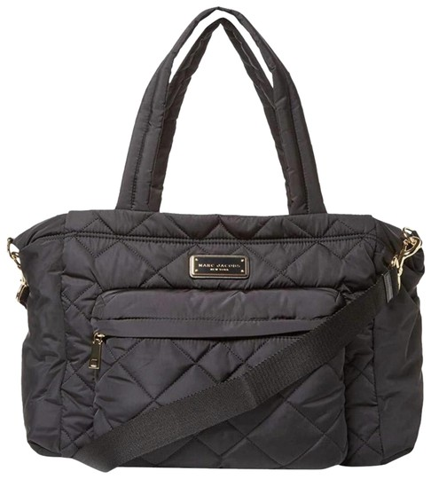 Preload https://img-static.tradesy.com/item/27303411/marc-jacobs-crosby-quilted-black-nylon-diaper-bag-0-2-540-540.jpg