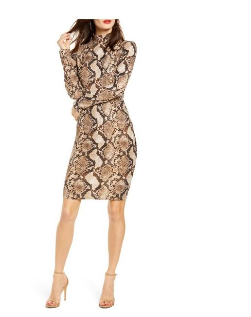 Preload https://img-static.tradesy.com/item/27303546/leith-black-and-tan-long-sleeve-body-con-mid-length-cocktail-dress-size-4-s-0-0-650-650.jpg