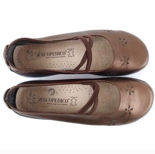 Item - Copper Flower Flats Size US 9 Regular (M, B)