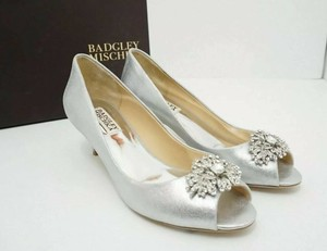 Badgley Mischka Silver Bridal Metallic Pumps Size US 7 Regular (M, B)
