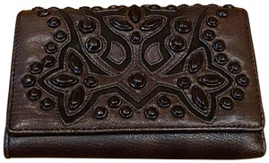 Isabella Fiore ISABELLA FIORE TRIFOLD ORNATE STUD DETAILED LEATHER WALLET