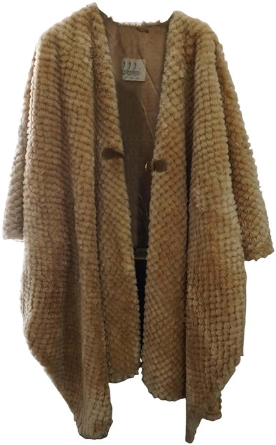 Item - Tan Faux Fur Asymmetrical Jacket Stunning Rare Poncho/Cape Size 14 (L)