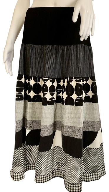 Item - Black White Rayon Blend Mix Pattern Fabric Tiered Pull On Skirt Size 16 (XL, Plus 0x)