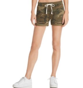 Alternative Apparel Mini/Short Shorts green