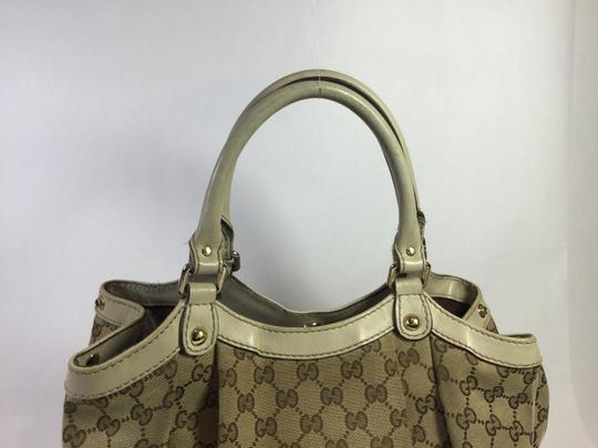 Gucci Sukey Gg Canvas Ivory Leather Tote in Beige