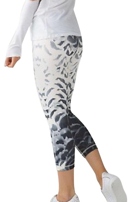 Item - White and Black Wunder Under Ii Activewear Bottoms Size 4 (S)
