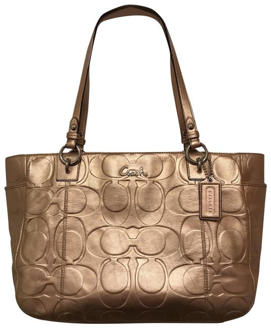 Coach Gallery Embossed Logo East/West Zip Metallic F17730 Rose Gold Leather Tote Coach Gallery Embossed Logo East/West Zip Metallic F17730 Rose Gold Leather Tote Image 1