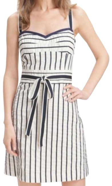 Preload https://img-static.tradesy.com/item/27324579/tory-burch-ivory-and-navy-blue-kinsley-mid-length-short-casual-dress-size-4-s-0-3-650-650.jpg