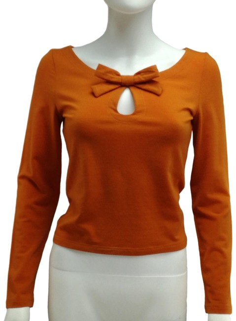 Item - Long Sleeves Cut-out Orange Sweater