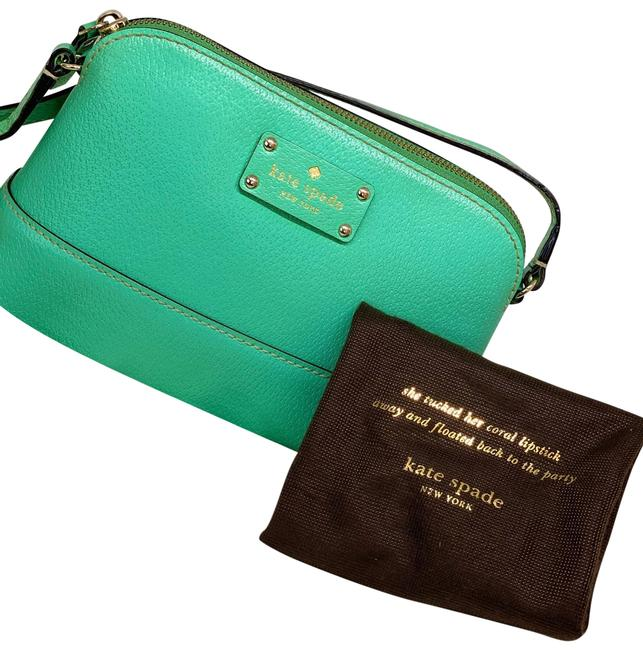 Item - Pebble Green Leather Cross Body Bag