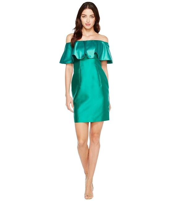 Item - Green Flounce Ruffle Off The Shoulder Cocktail Modern Bridesmaid/Mob Dress Size 6 (S)