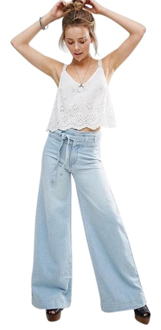 Item - Blue Light Wash High Waisted Trouser/Wide Leg Jeans Size 8 (M, 29, 30)