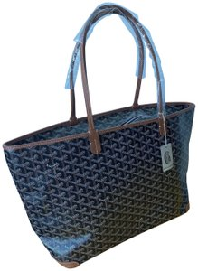 Goyard Monogram Coated Canvas Tote in black gold
