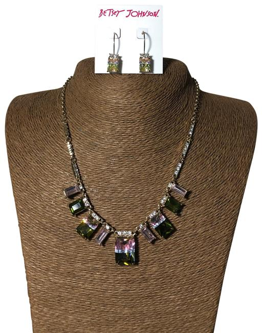Item - Gold Pink and Green Stone Necklace and Earrings Set