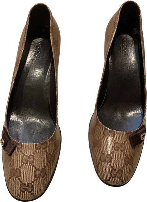 Item - Brown with Logo All Over Pumps Size US 8.5 Regular (M, B)