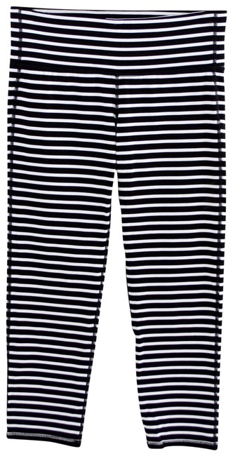 Item - Black/ White Striped Capri #123-322 Activewear Bottoms Size 4 (S, 27)