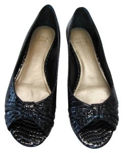 Alex Marie Leather Reptile Design black Flats