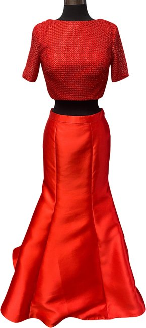 Item - Red 2416 Long Formal Dress Size 6 (S)